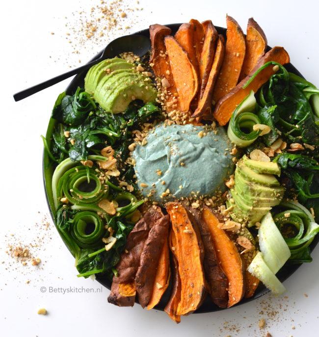 10x vegetarische recepten - recept hummus bowl met zoete aardappel lunch dip © bettyskitchen.nl