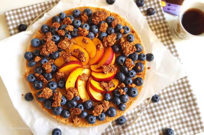 Fruittaart met koekjesbodem