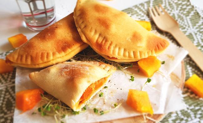 recept samosa van papaja muhamara en geitenkaas © bettyskitchen