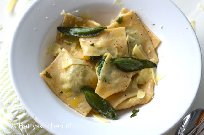 recept Ravioli met spinazie en ricotta vegetarisch © betty's kitchen