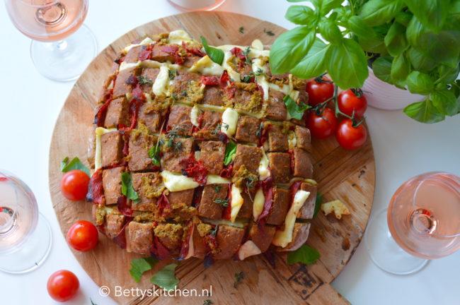 borrelbrood met chorizo en kaas © bettyskitchen