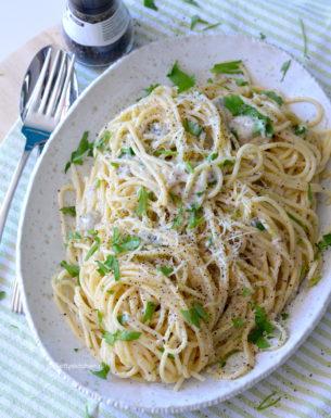 kookvideo cacio e pepe pasta recept © bettyskitchen.nl