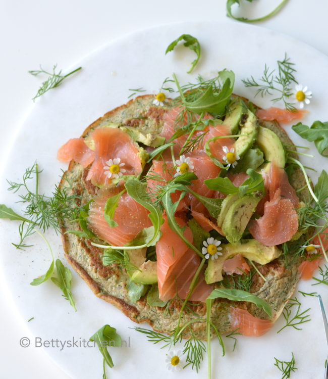 15x paasrecepten met eieren © bettyskitchen - recept Ei-Wraps met zalm en dille bettys kitchen