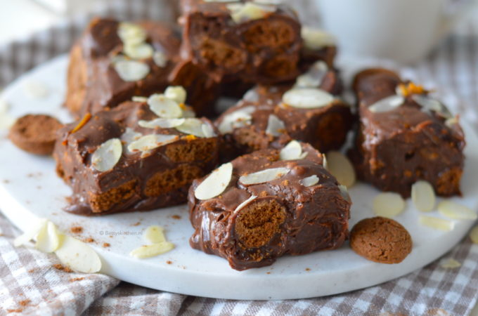 Sinterklaas Fudge met kruidnoten recept © betty' s kitchen