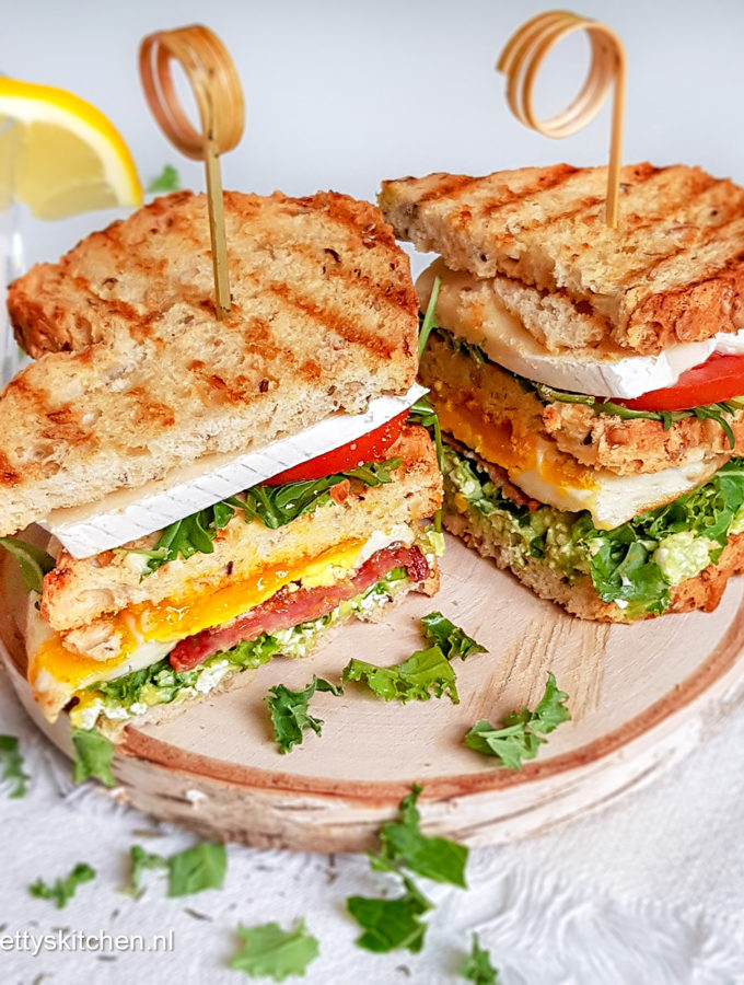 recept club sandwich met salami en brie © bettyskitchen