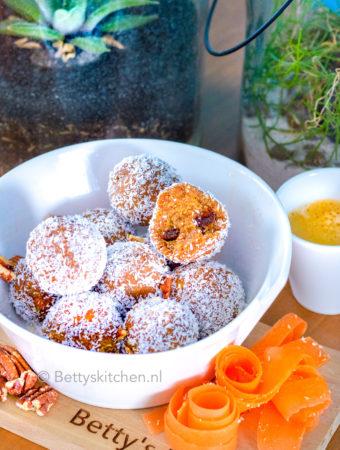 recept gezonde carrotcake balls met wortel en rozijnen © bettyskitchen.nl