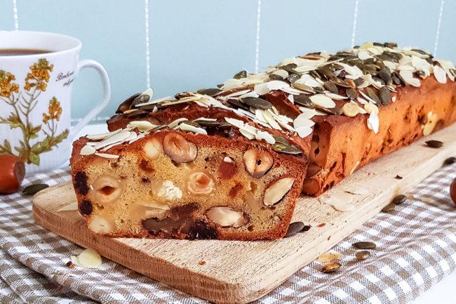 homemade notenbrood met rozijnen