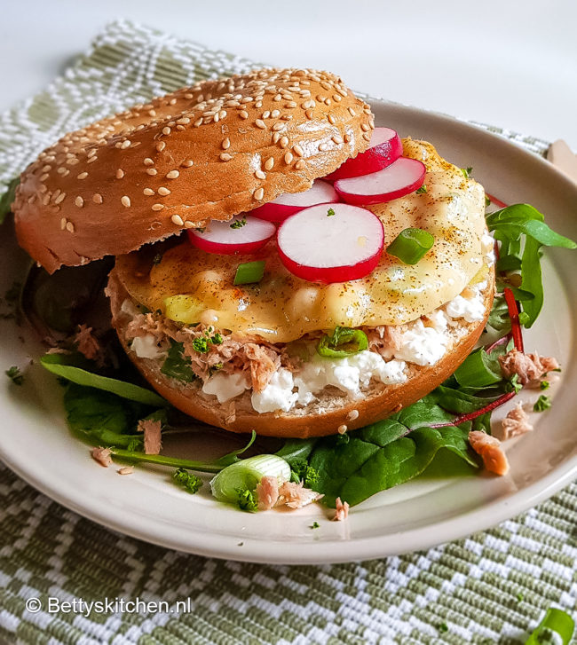 Tuna melt bagel recept