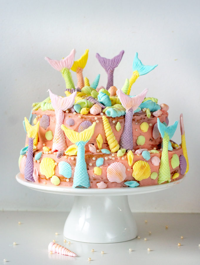 recept zelf mermaid taart maken met biscuit beslag en fondant kookvideo bettys kitchen