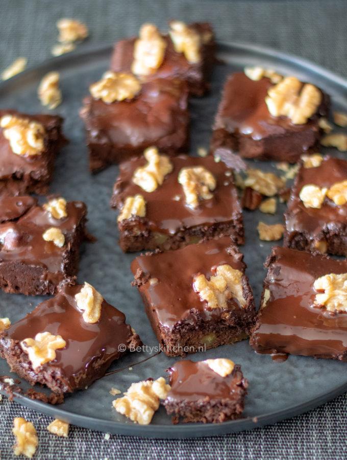 zwarte bonen brownies uit bakken zonder gluten kookboek emmelou green