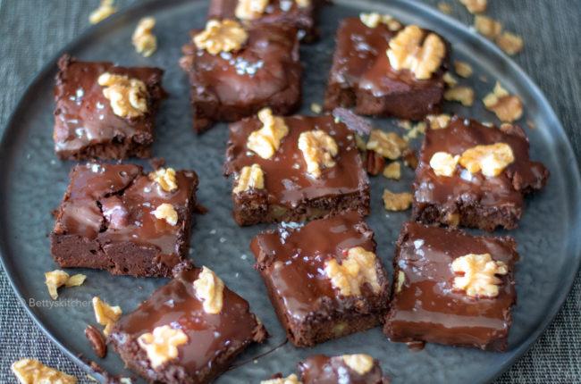 zwarte bonen brownies uit bakken zonder gluten kookboek emmelou green 10x brownies en blondies recepten voor een blue monday Betty's Kitchen