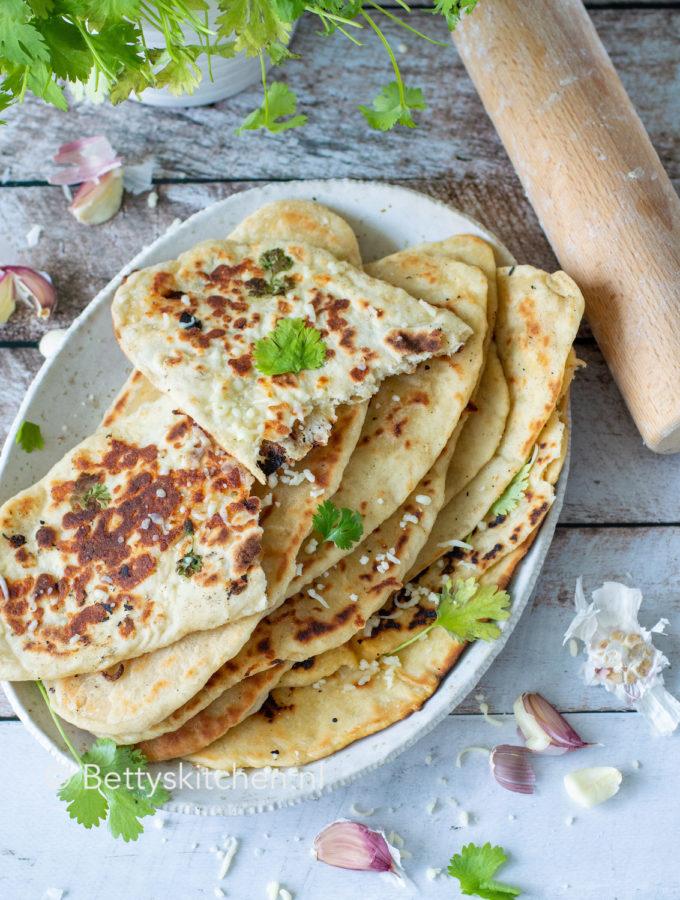 recept voor zelf naanbrood maken © bettyskitchen.nl