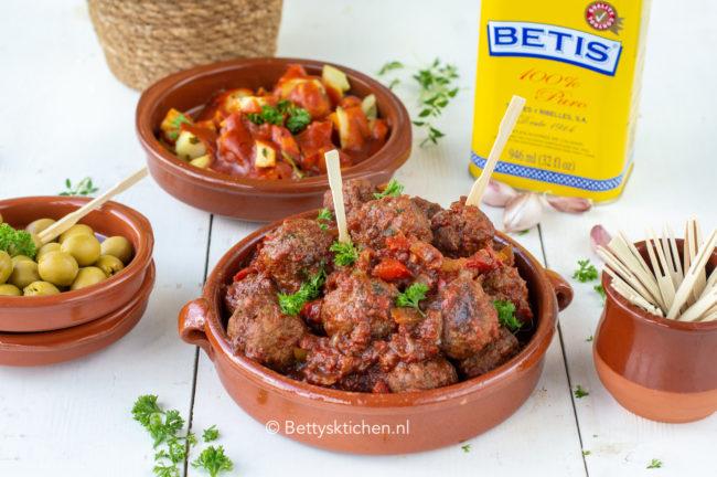 recept albondigas spaanse gehaktballetjes in tomatensaus © bettyskitchen