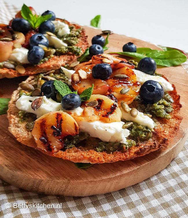 recept pita met kaas en fruit
