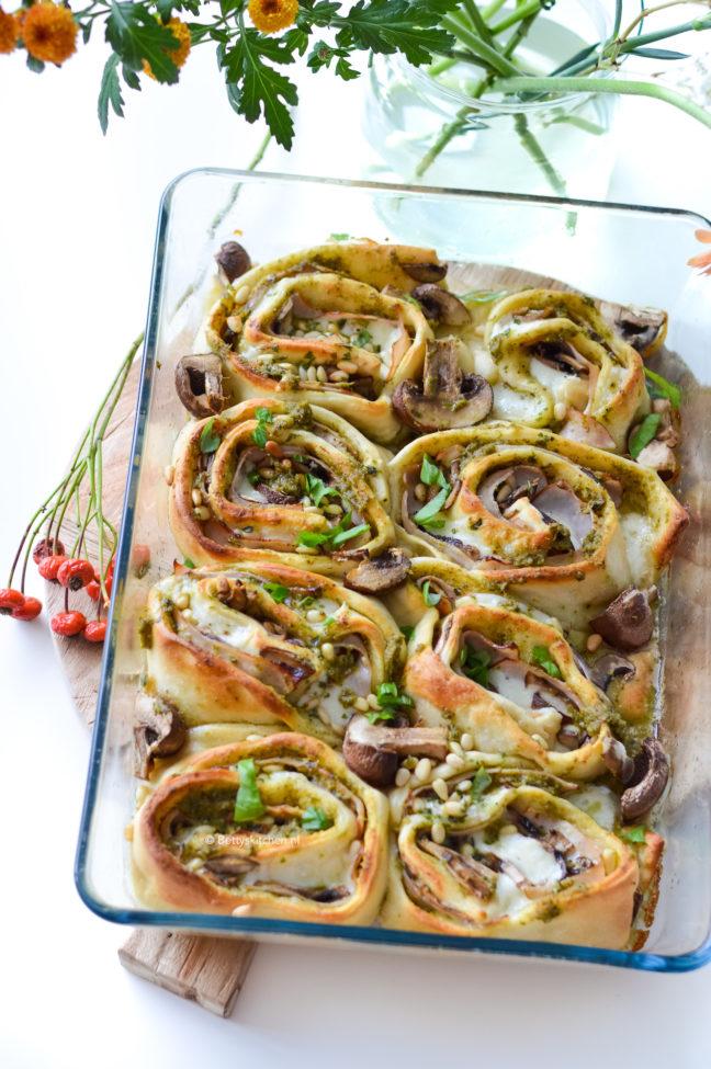 recept pizza rolls met champignons © bettyskitchen