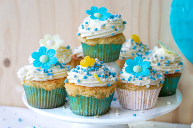recept cupcakes met citroen en blauwe muisjes gender reveal betty's kitchen