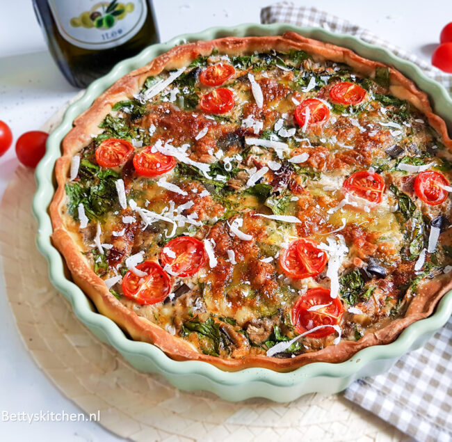 recept Mediterrane Hartige taart -  Italiaanse quiche met pesto en mozzarella door Bettys Kitchen