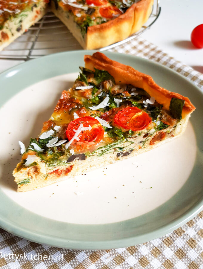 Mediterrane Hartige taart - Italiaanse quiche met pesto en mozzarella door Bettys Kitchen