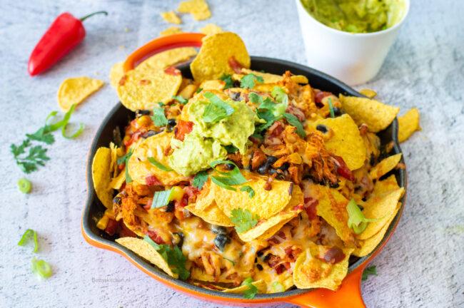 vegetarische nachos met pulled jackfruit recept - 7x nacho recepten © bettyskitchen.nl