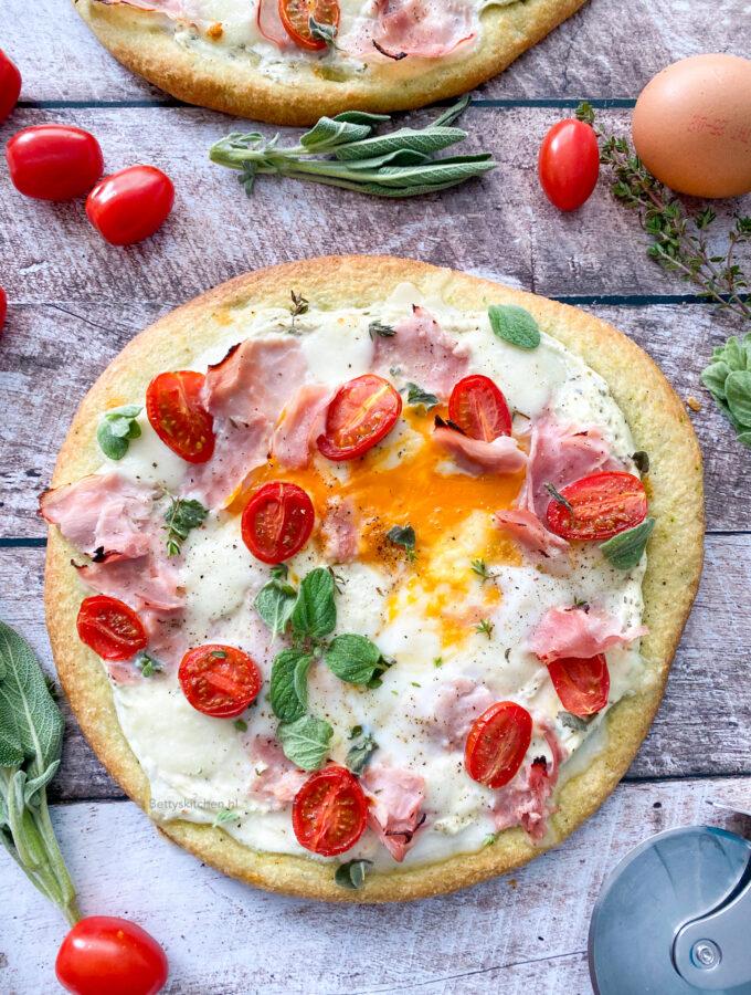 recept ontbijtpizza met ei ham en kaas © bettyskitchen.nl