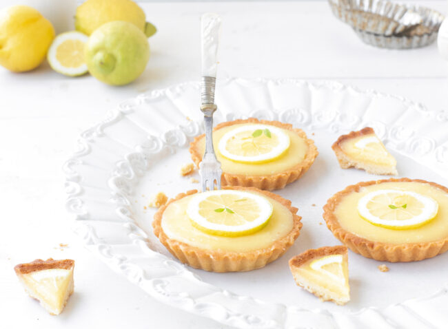 citroen tartelettes van The Lemon Kitchen Kookboek