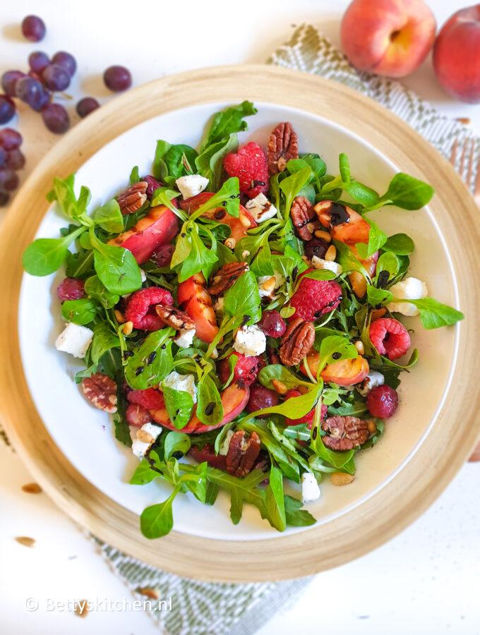 recept zomerse salade met gegrild fruit