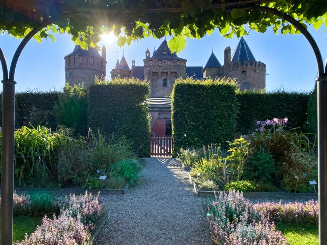 eten bij de maaltuin muiderslot kasteel pop up restaurant in augustus 2020
