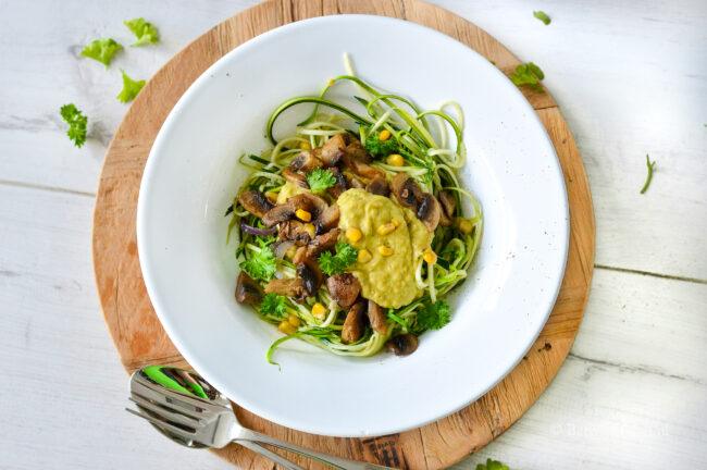 recept courgetti met champignons en maissaus © bettyskitchen