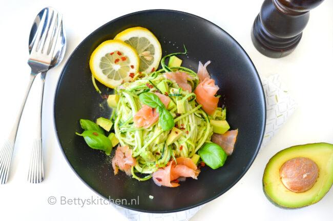 recept courgetti met zalm en avocado © bettyskitchen.nl