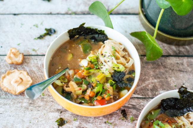 vegetarische miso soep in Japans weekmenu Betty's kitchen