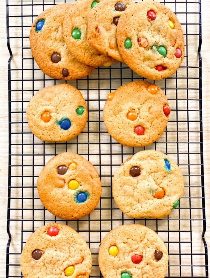 recept koekjes met M&ms Lauras bakery kinder bakboek © bettyskitchen.nl