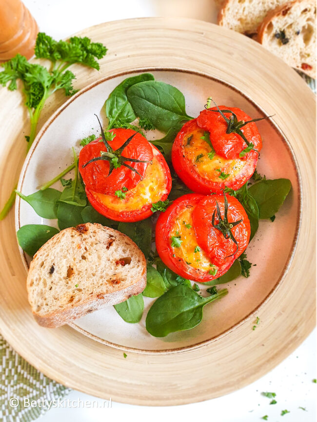 recept gevulde tomaten met ei © bettyskitchen