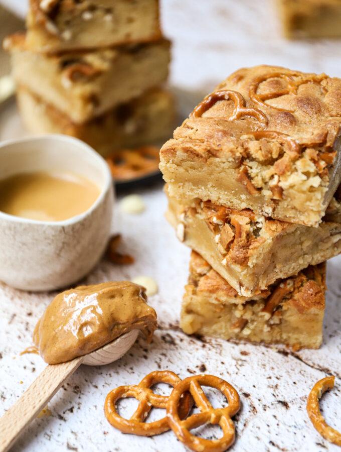 recept blondies met pretzels en pindakaas