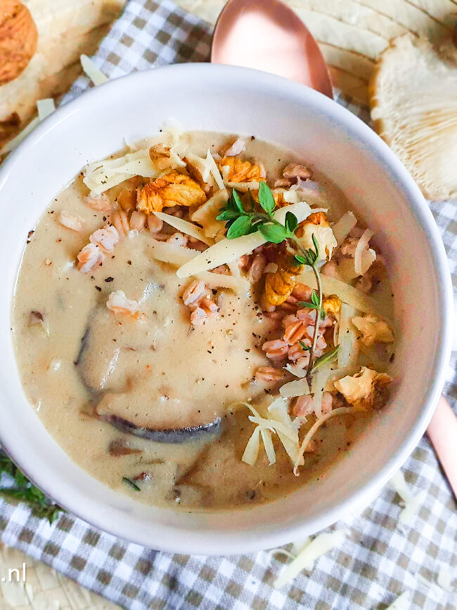 recept romige paddenstoelensoep met spelt en kaas © bettyskitchen.nl