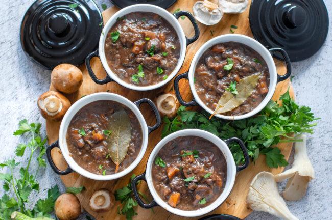 recept vegetarisch stoofvlees met aubergine en paddenstoelen © bettysktichen.nl
