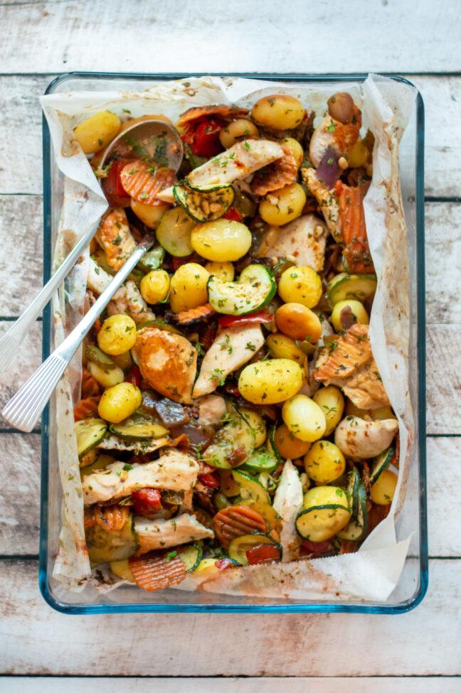 recept traybake met kip courgette en krieltjes © bettyskitchen.nl