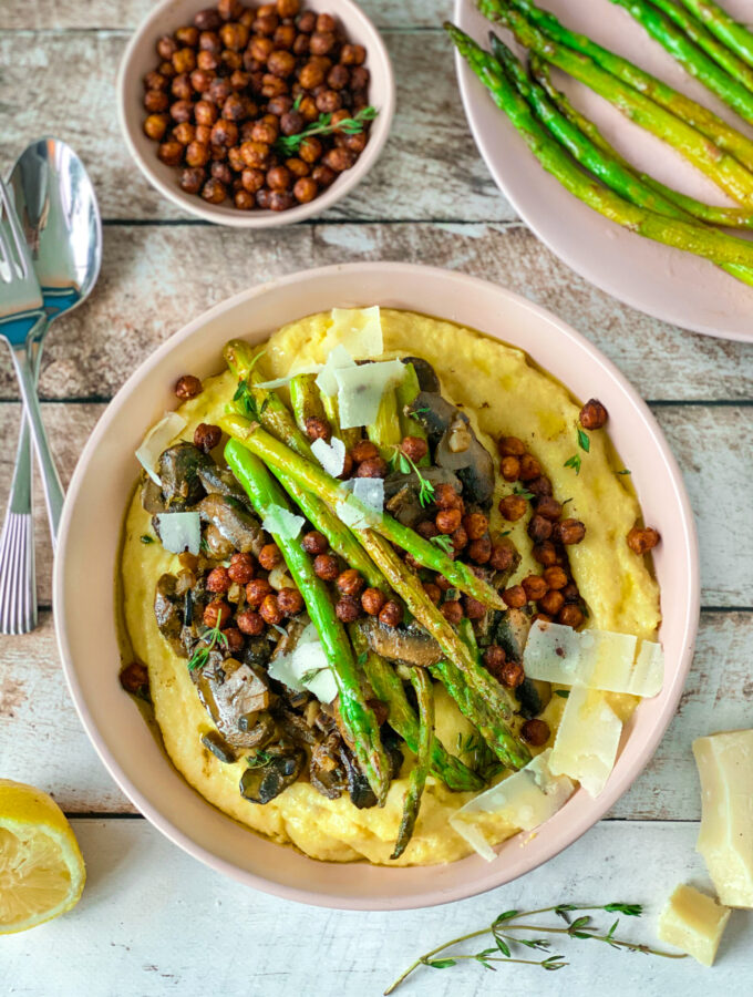 recept vegetarische polenta met champignons en asperges