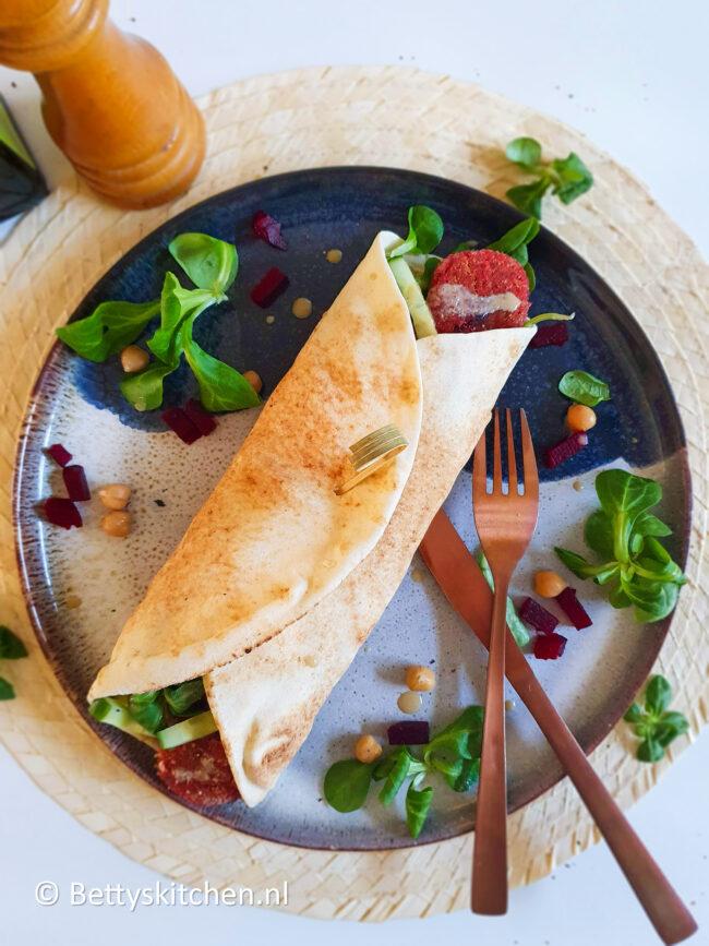 recept libanese wraps met rode bieten falafel © bettyskitchen.nl