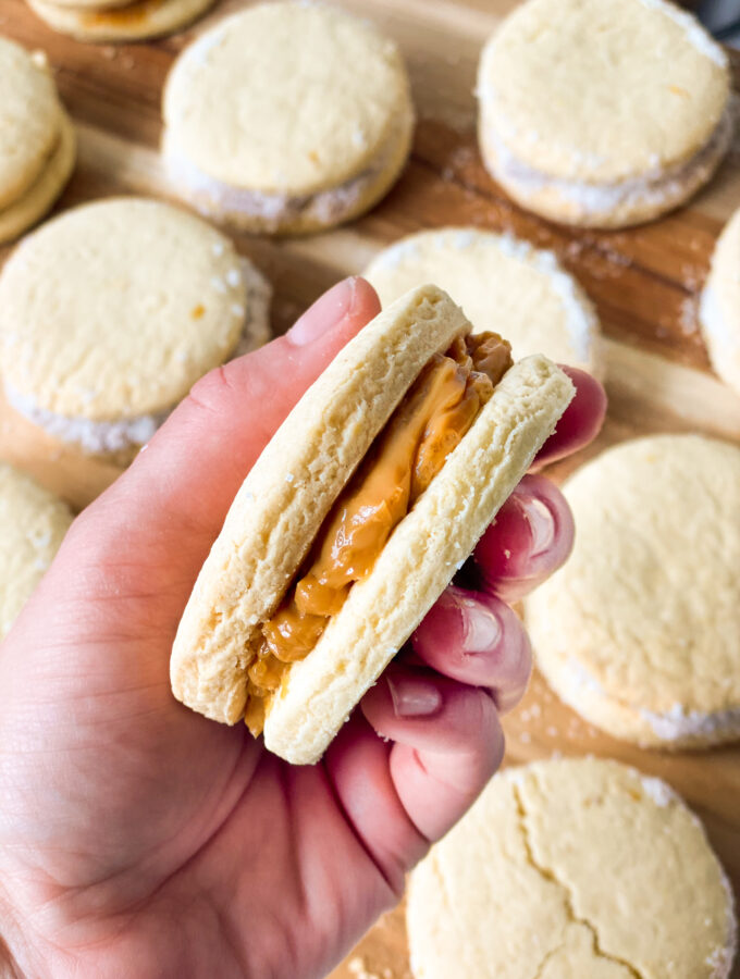 recept alfajores koekjes met dulche de leche © bettyskitchen.nl