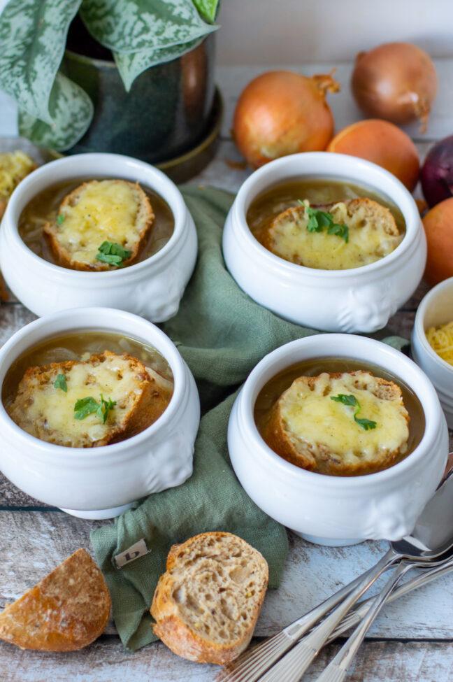 recept Franse uiensoep met stokbrood en gruyere kaas © bettyskitchen.n