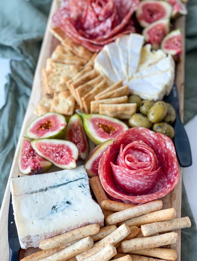 recept borrelplank met salami roos maken © bettyskitchen.nl